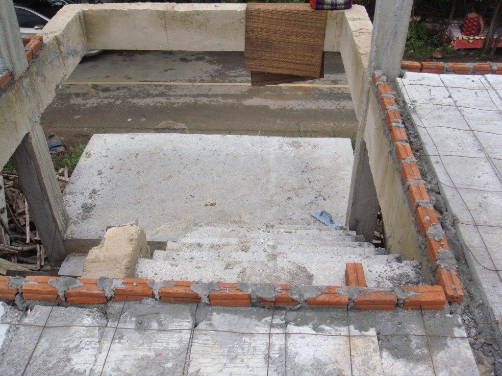 Auch die Treppe nimmt Formen an ...